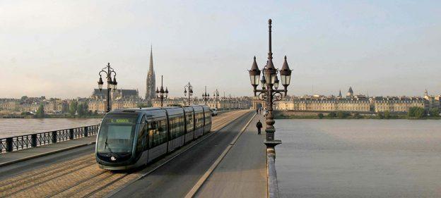 Tram Bordelais sur le Pont de Pierre